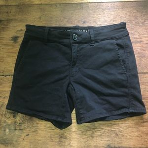 American Eagle black midi shorts
